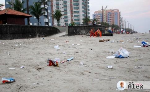 lixo-praia-mongagua-1