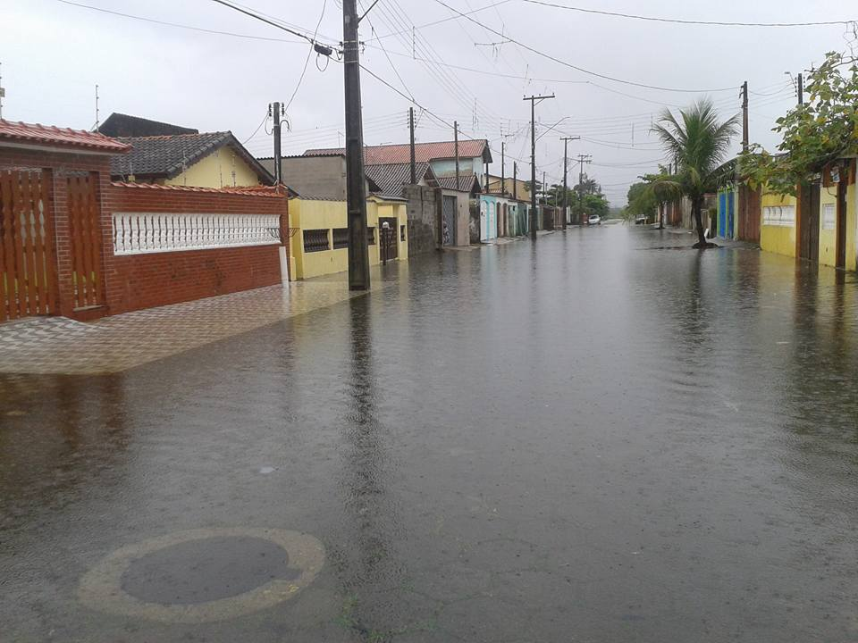 rua-do-sol-mongagua-enchente-2