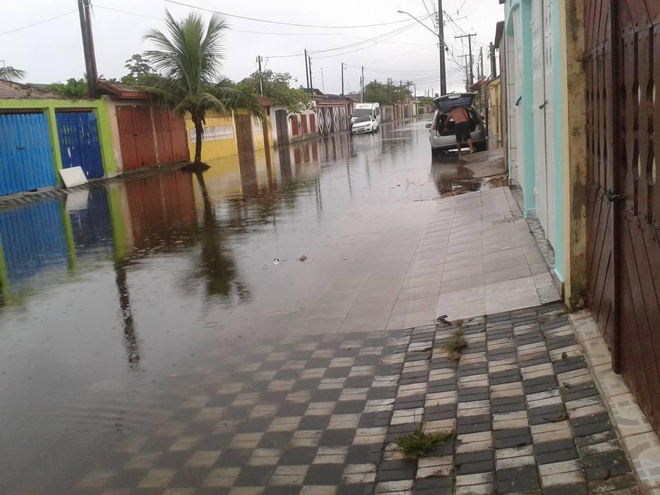 rua-do-sol-mongagua-enchente-4