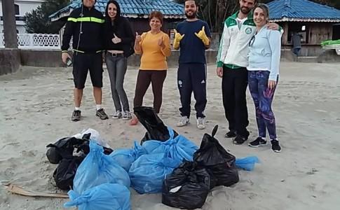 mutirao-limpeza-amigos-da-praia